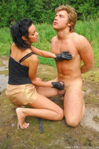 homme esclave dominatrice fetichiste021