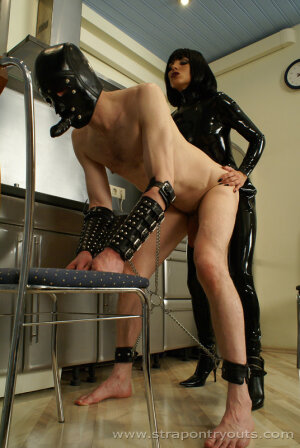 Conseils sur le comportement à adopter lors de la sélection des esclaves pour trouver votre maîtresse